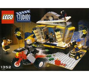 LEGO Explosion Studio Set 1352