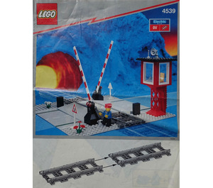 LEGO Manual Level Crossing Set 4539 Instructions