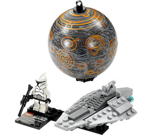 LEGO Republic Assault Ship & Planet Coruscant Set 75007