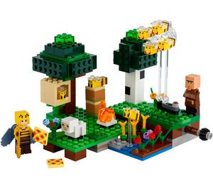LEGO The Bee Farm Set 21165