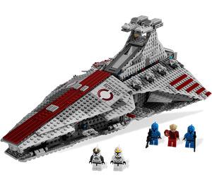LEGO Venator-Class Republic Attack Cruiser Set 8039