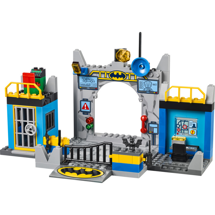 imaginext helicopter batman with Esin on Imaginext DisneyPixar IMonsters UniversityI Scare Factory in addition 22672 besides 34 also Vtech Go Go Smart Wheels Green Race Car besides Lego Dc Universe Super Heroes The Bat Vs Bane Tumbler Chase 76001 Revealed.