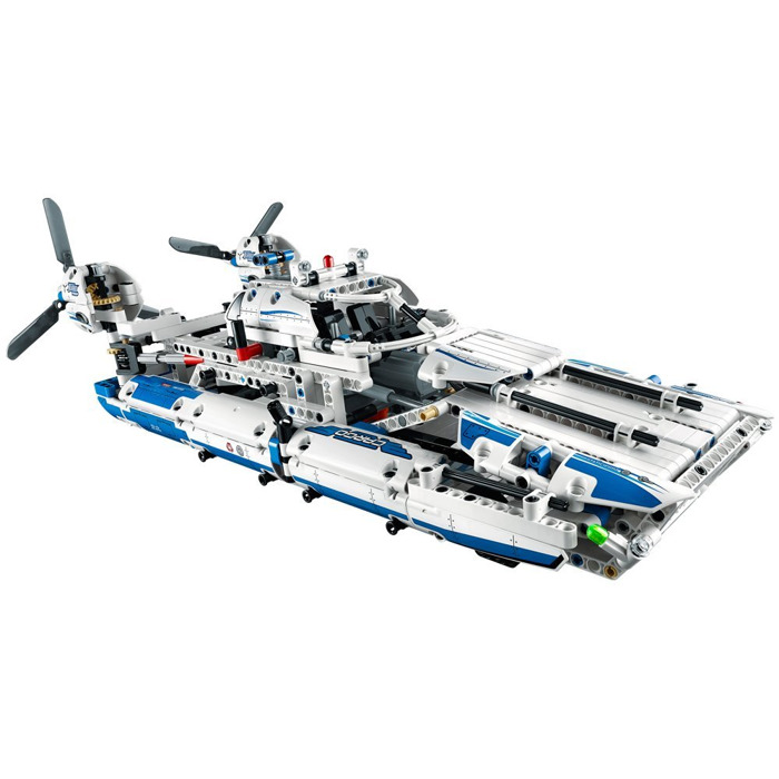 model airplane stores with Lego Cargo Plane Set 42025 on 224702 32461305819 further 1037146 2025022423 as well 32426264710 together with 32808849247 besides 32738708961.