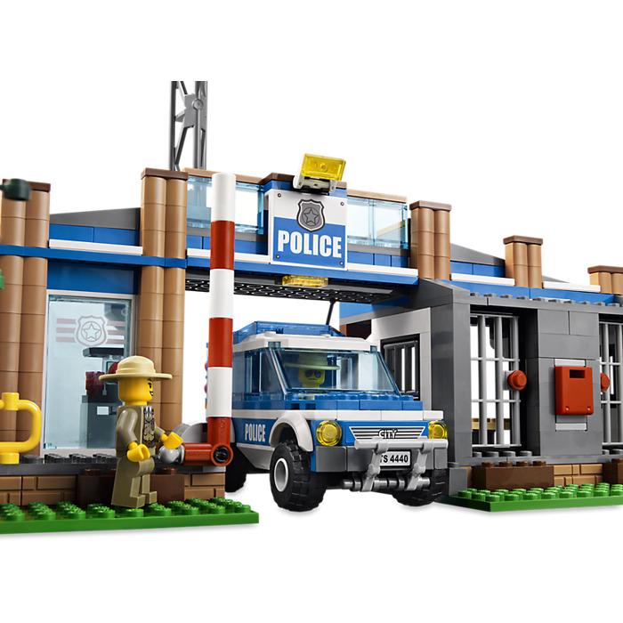 Lego Forest Police Station Set 4440 Brick Owl Lego Marketplace