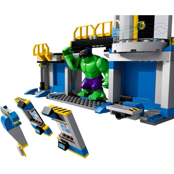 LEGO Avengers: 76018 Hulk Lab Smash Retired Set New /& Sealed