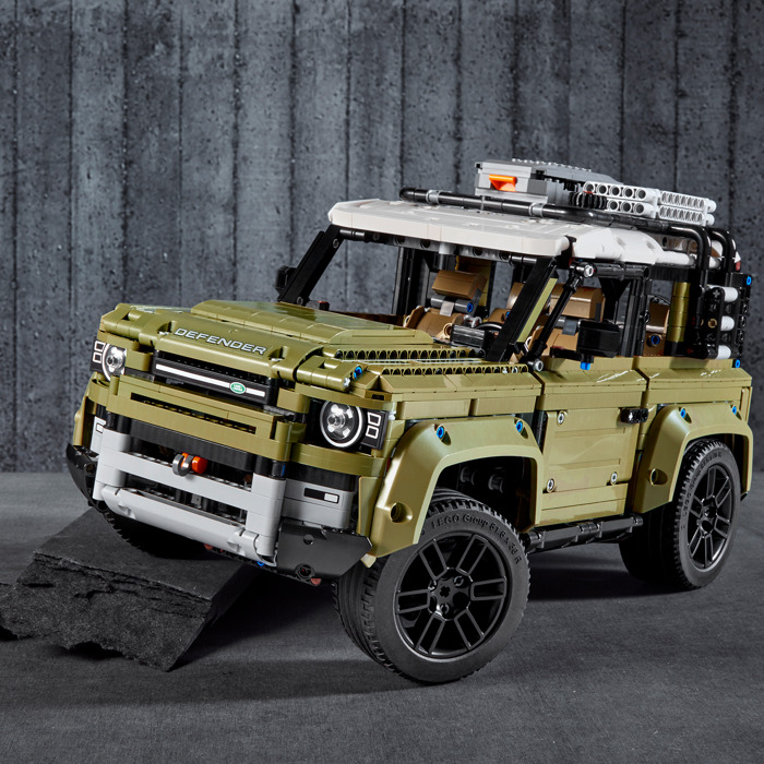 LEGO Land Rover Defender Set 42110 | Brick Owl - LEGO ...