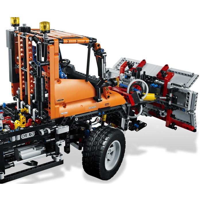 Lego mercedes benz unimog u 400 set 8110 brick owl for Lego mercedes benz