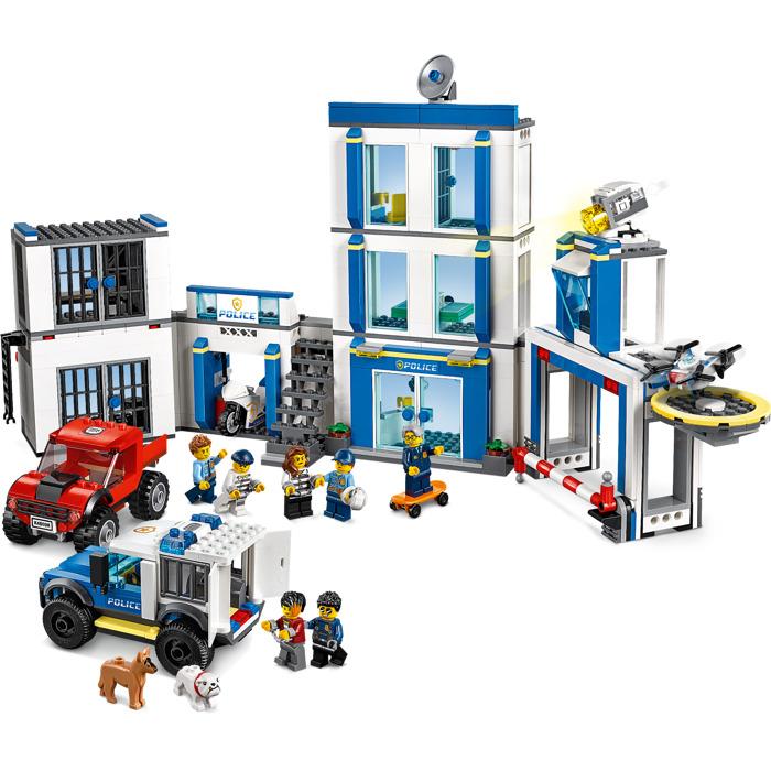 lego-police-station-set-60246-15-3.jpg