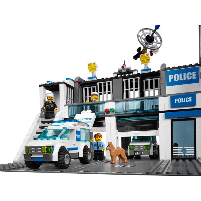 Lego Police Station Set 7498 Brick Owl Lego Marketplace