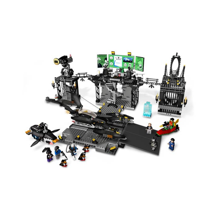 LEGO The Batcave: The Penguin and Mr. Freeze's Invasion Set 7783 ...