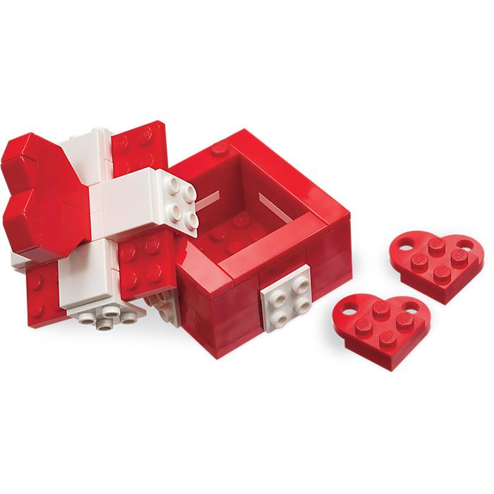 LEGO Valentineu0027s Day Box Set 40029