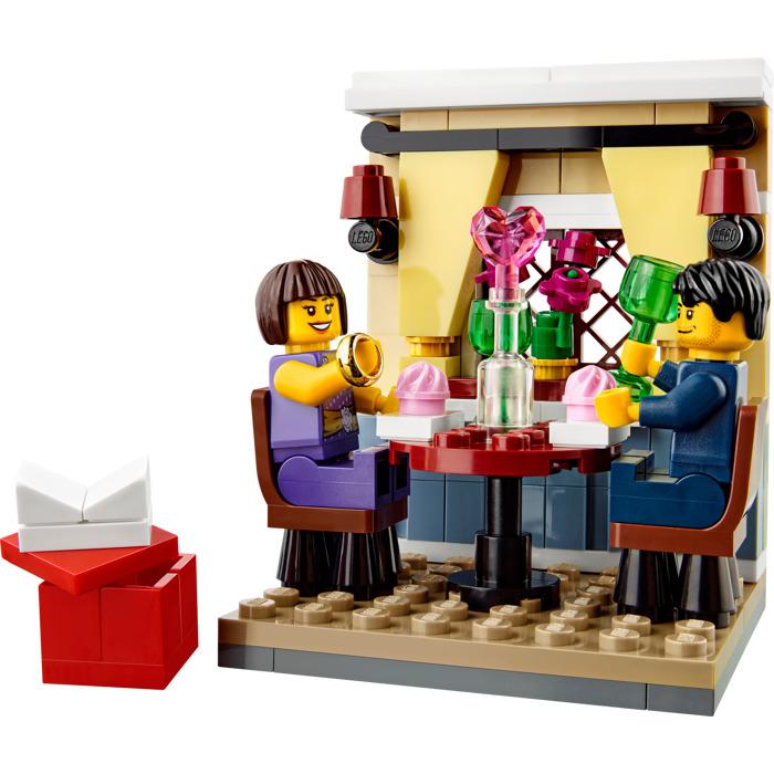 LEGO Valentineu0027s Day Dinner Set 40120