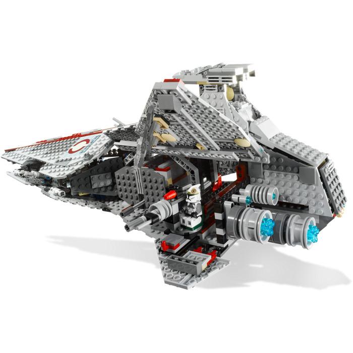lego venator class republic attack cruiser set 8039. Black Bedroom Furniture Sets. Home Design Ideas