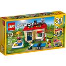 LEGO Modular Poolside Holiday Set 31067 Packaging